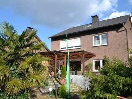 Zweifamilienhaus in grüner Wohlfühloase