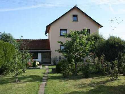 Gepflegtes und großzügiges Einfamilienhaus mit schönem Garten in Leinzell