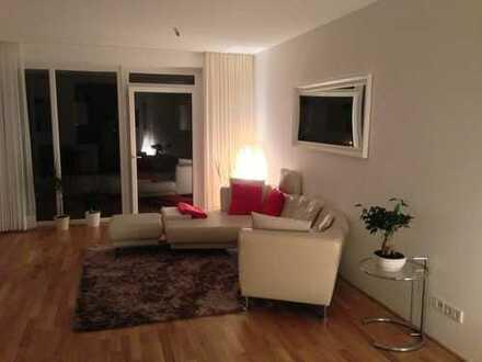 Stilvolle, neuwertige 2,5-Zimmer-Wohnung mit Balkon und Einbauküche in Bremen
