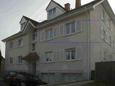 Schöne Wohnung (3 ZKB) mit Südbalkon + Einzelgarage