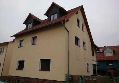Gepflegte 7-Zimmer-Wohnung mit Balkon in Kahl