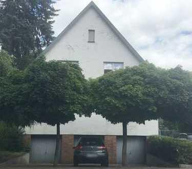 Schickes Zweifamilienhaus ca. 240 m², mit Büro/ Einliegerwohnung + ca. 1000 m² Traumgrundstück