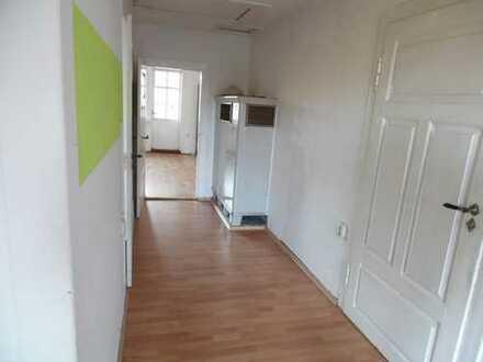 Sanierte 4-Zimmer-Wohnung mit Balkon in Arnstadt