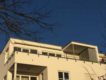 Neuwertige 2-Zimmer-Penthouse-Wohnung mit Terrasse und EBK in Ulm - Eselsberg