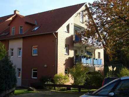 Gepflegte 3-Raum-Wohnung mit Balkon und Einbauküche in Salzgitter-Thiede