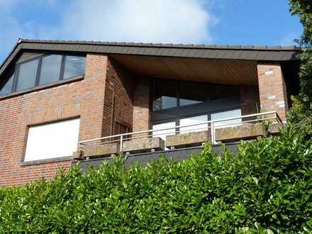 Vollständig modernisierte/renovierte 3-Raum-Wohnung mit Balkon in Korschenbroich-Herrenshoff
