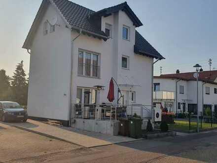 1550 € - 130 m² - 6.0 Zi.