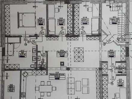5 1/2 Zi.EG Wohnung 150 qm in Obertraubling, ruhige Wohnlage/Nebenstr.