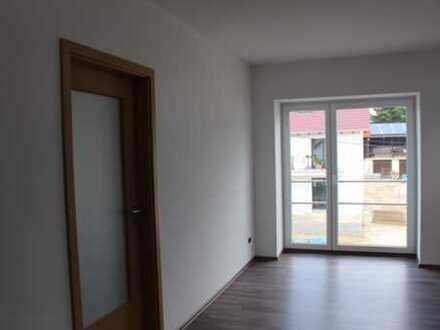 Schöne, helle 3-Zimmer-DG-Wohnung mit EBK in Freising-Sünzhausen