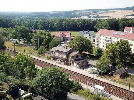 Bahnhofsgebäude - leer stehend