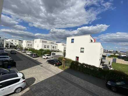 Exklusive, neuwertige 4-Zimmer-Wohnung mit allen Möbeln, Balkon und Einbauküche in Brühl