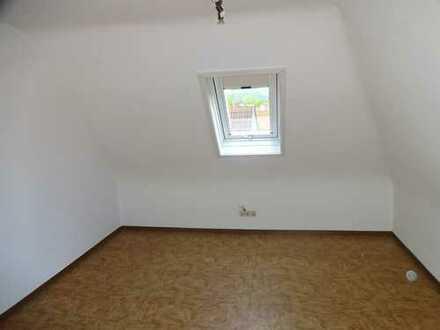 Freundliche 4-Zimmer-DG-Wohnung mit EBK in Mössingen