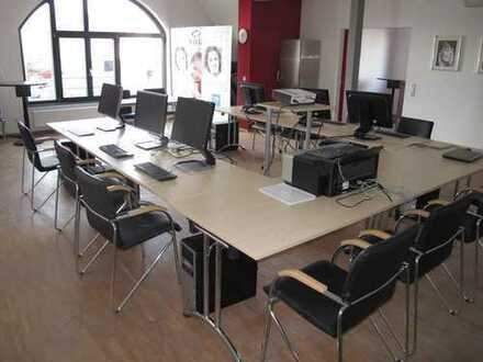 Büroräume in bester Lage im Steinheimer Ortskern!