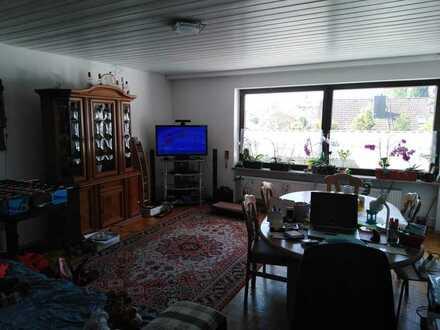 Freundliche 4-Raum-Wohnung mit EBK und Balkon in Tutzing