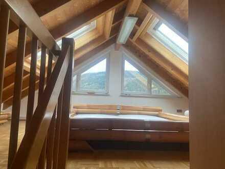 Modernisierte 3-Raum-Maisonette-Wohnung mit Balkon und Einbauküche in Eberbach