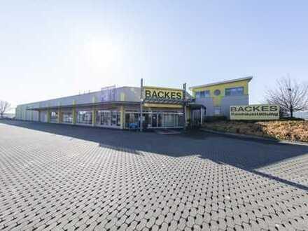 A5/A45 Gambacher Kreuz: 3.500 m2 Gewerbeimmobilie auf 8..800 m2 Grund zu verkaufen
