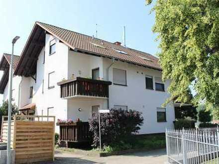 Hagenbach: 2 Zimmerwohnung mit Balkon und Stellplatz