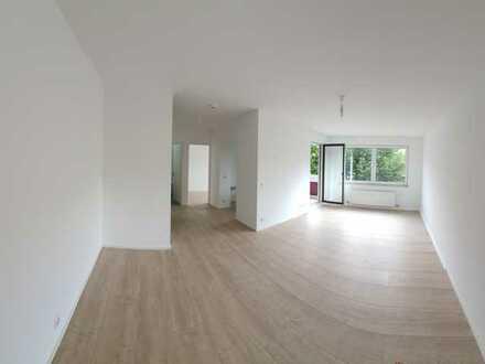Top sanierte 2-Zimmer-Wohnung mit Balkon - Erstbezug!
