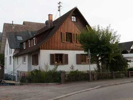 Zentral gelegene, schöne Doppelhaushälfte mit fünf Zimmern im Ortenaukreis, Zell am Harmersbach