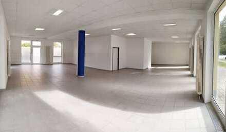 Sofort verfügbar: Praxis / Einzelhandel / Büro in Wohn- und Geschäftshaus in Blasewitz