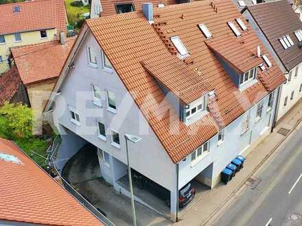 Renditewunder! 4-Zimmer Wohnung, vermietet als Einzelappartements.
