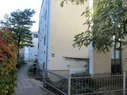 Funktionelle und praktische 2-Zi.Wohnung in zentraler Lage mit Tiefgarage