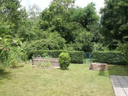 Exclusive 3-ZKB mit gehobener Ausstattung in Traumlage mit großem Garten, in Nähe Uniklinikum