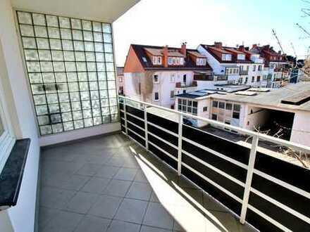 *Lift* 3 Zi. Neustadt mit Balkon - nähe Airport und City