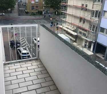 Von Privat: Schöne 2-ZW (3./5.) mit EBK und Balkon, Nähe Hauptbahnhof