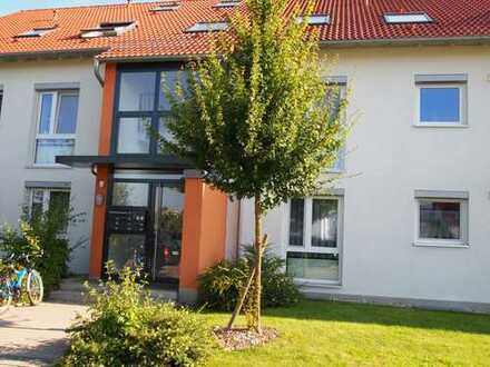 Perle am Schönbuchrand! Exklusive, gepflegte 3-Zimmer-Wohnung mit Balkon und EBK in Hildrizhausen