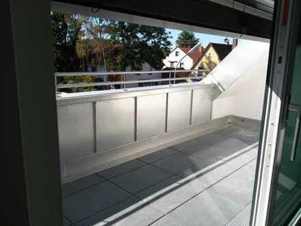 Karlsfeld Erstbeuzg: exklusive 2-Zimmer-Dachterassen-Maisonette mit EBK