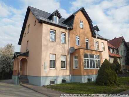 Bild_Große 4-Zimmer-Erdgeschoss-Wohnung mit Wintergarten und Garten