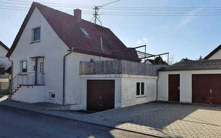 Gemütliches freistehendes Häuschen mit zwei Garagen in Äpfingen