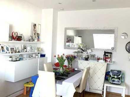 Gemütliche Wohnung , hell und geräumig