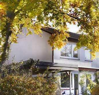 Schönes Haus im Grünen, grosszügig geschnittene helle Räume, 6 km von Altona