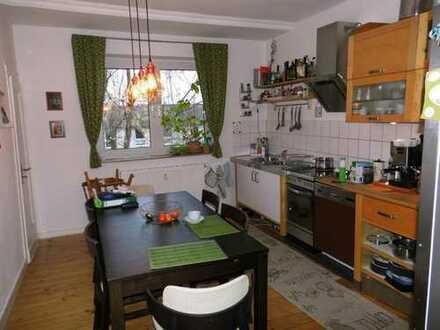 Citynah! Schön! Praktische 2,5 Raum Wohnung in ruhiger Lage mit Balkon!