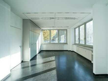 Helle Büroräume, verkehrsgünstig gelegen