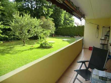Ruhige 4 ZKB mit Balkon, Garten und Einbauküche