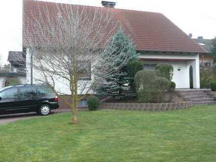Freistehendes Einfamilienhaus mit 4 Zimmern, Küche, Bad, und Gäste WC in Zapfendorf