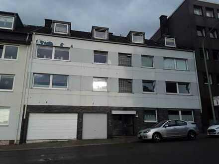 Modernisierte 3-Zimmer-Dachgeschosswohnung mit Einbauküche in Essen Westviertel