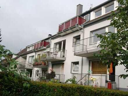 Sehr schöne DG Wohnung mit Balkon in SG Gräfrath