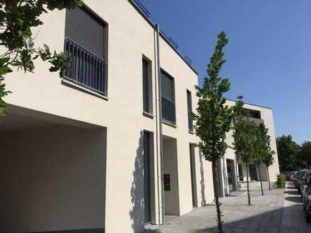 2 Zimmer-Wohlfühl-Deluxe-Wohnung mit Balkon und Aufzug