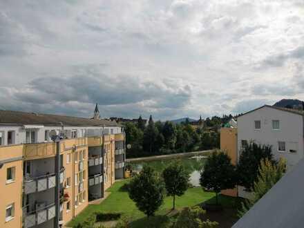 Gepflegte 3,5-Zimmer-Dachgeschosswohnung mit 2 Balkonen und Einbauküche in Engen