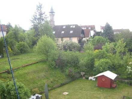 Reizvolle Zwei-Zimmerwohnung (EG) mit Balkon in Fürth (Kreis), Cadolzburg