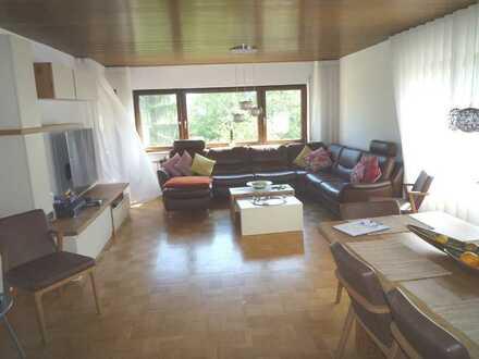 Großzügiges Haus, top ausgestattet, in bester grüner und ruhiger Aussichtslage, tolle EBK