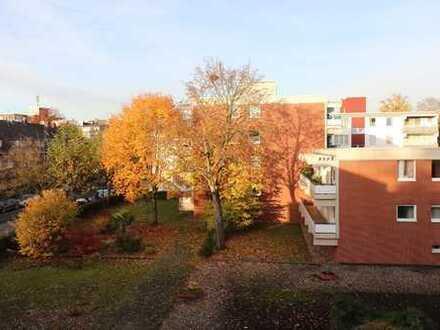 Neuss 2 bis 3-Zimmerwohnung direkt am Stadtgarten - gesucht wird ein ruhiger 1-2 Personenhaushalt
