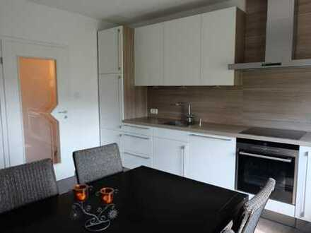 Möblierte (ggf. auch unmöbliert), sonnige 3 - Zimmer Wohnung in Weiden in der Oberpfalz, Rehbühl