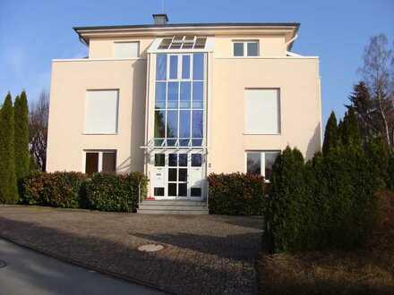 Exklusive Wohnung mit Süd/West-Loggia und Blick auf Möhnesee