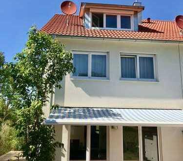 Exklusives REH in ruhiger und familienfreundlicher Randlage in Ditzingen-Hirschlanden
