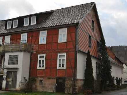 Schöne 1-Zimmer-Dachgeschosswohnung mit EBK in Hundelshausen
